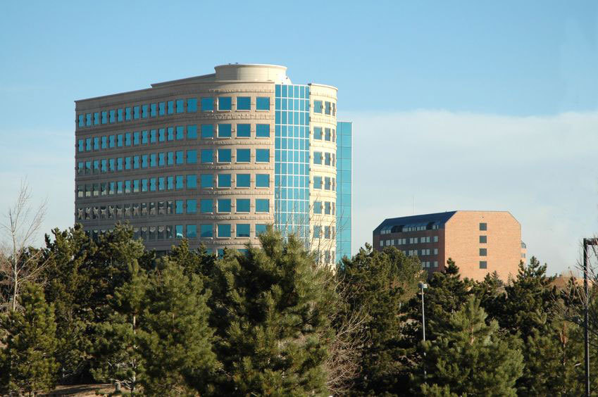 A multi-story office building stands in englewood co